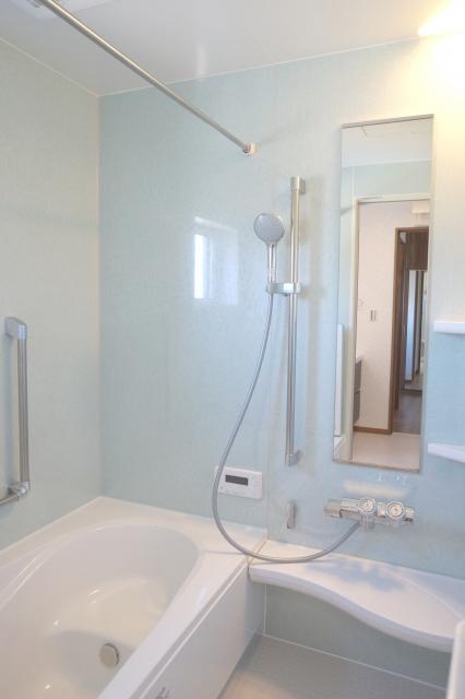浴室のカガミ磨き